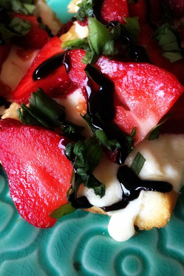 Roasted Strawberry Chicken Sandwich
