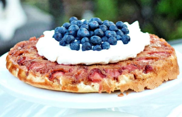 Strawberry Cake Recipe with Sweet Cream and blueberries