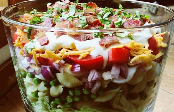 layered bacon pea salad with dressing