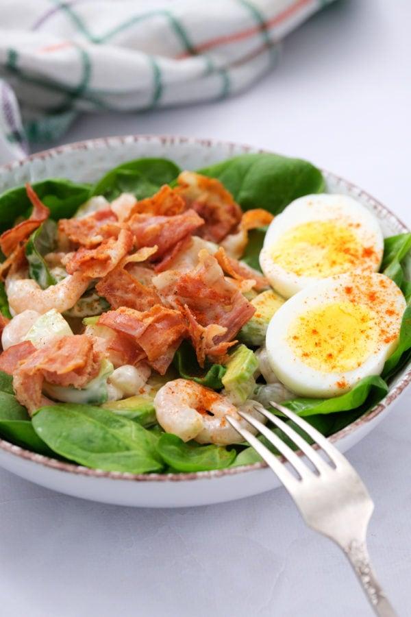 Green Salad with Shrimp, Bacon and Avocado