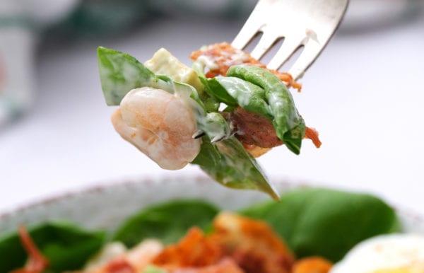 avocado and shrimp in dressing