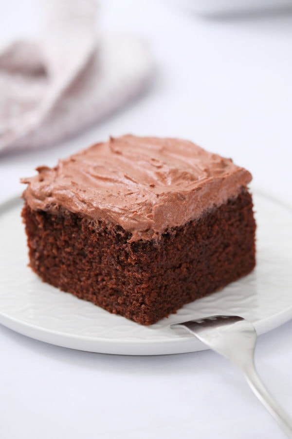 chocolate cake with frosting