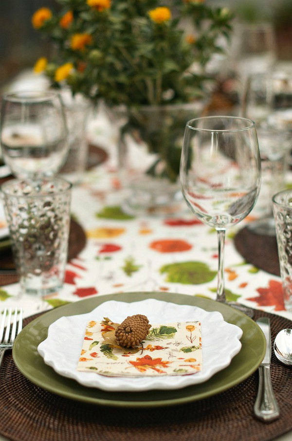Setting the Table with Safflowers | ReluctantEntertainer.com