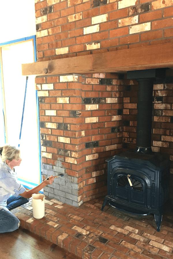 Annie Sloan Chalk Paint - fireplace   ReluctantEntertainer.com