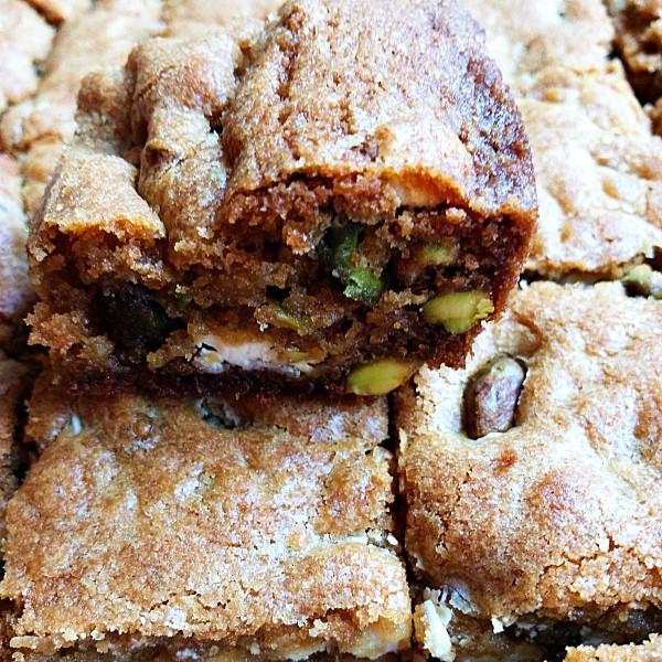 White Chocolate Pistachio Cookie Bars Recipe