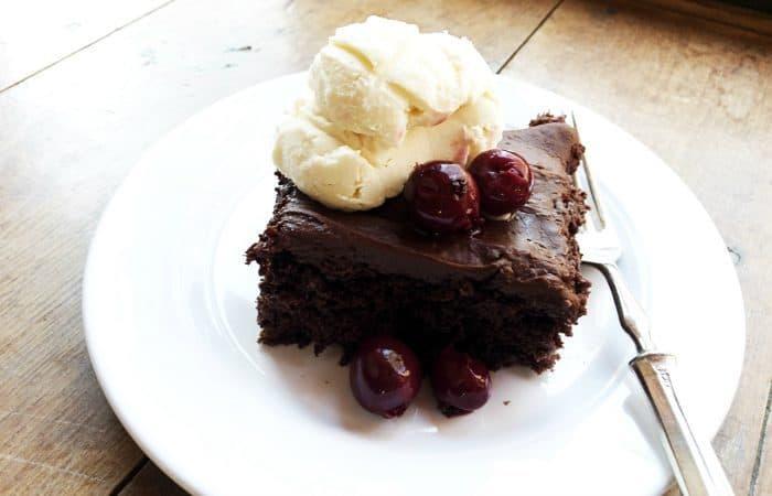 Tasty EASY 4-Ingredient Chocolate Cherry Cake