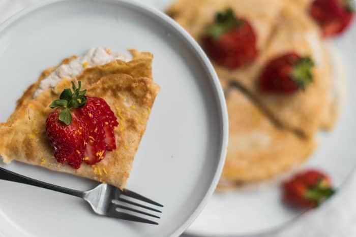 Easy Strawberry Crepes Recipe