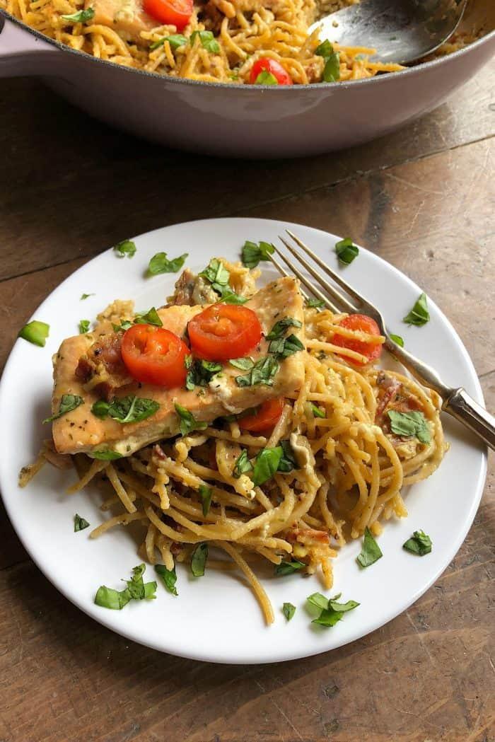 Easy Salmon Spaghetti Carbonara from ReluctantEntertainer.com #trustGortons