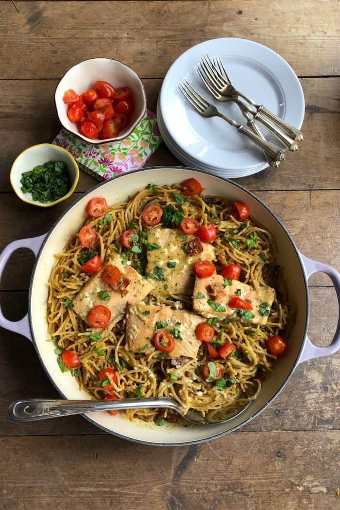 BEST Salmon Spaghetti Carbonara from ReluctantEntertainer.com #trustGortons
