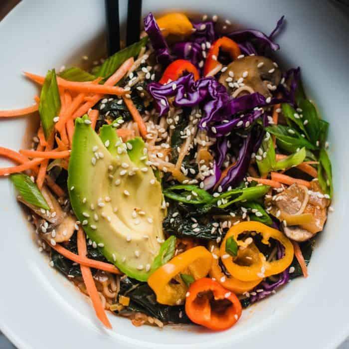 Easy Vegetarian Ramen Noodle Bowl