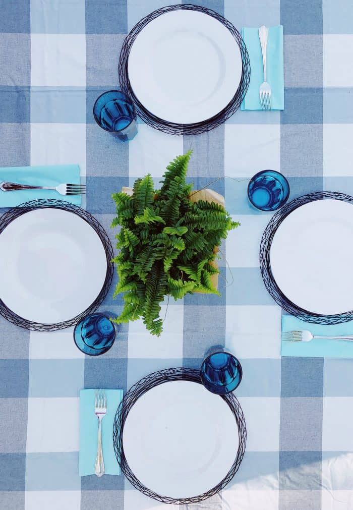 Set the table: SUMMER