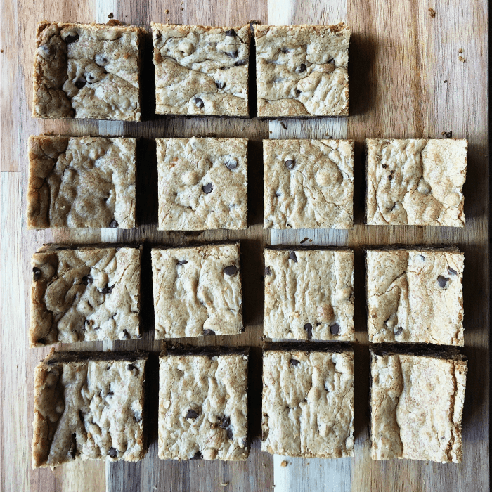 YUMMY Chocolate Chip Cookie Bars Recipe