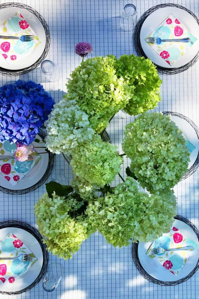 Hydrangea table setting