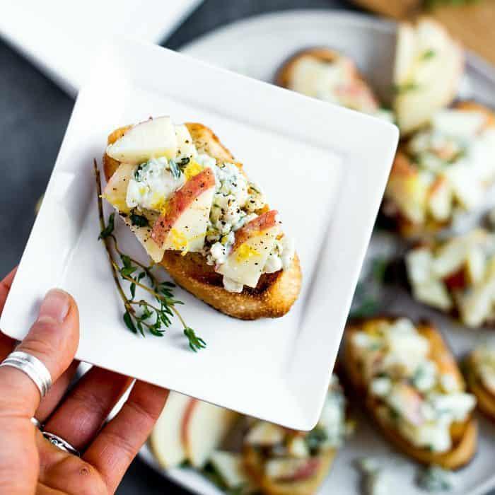 Easy Apple Blue Cheese Crostini Appetizer Recipe