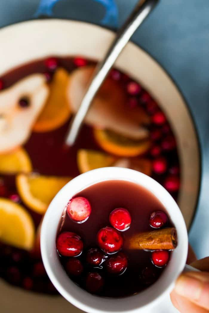 Tasty Holiday Pear Mulled Wine Recipe