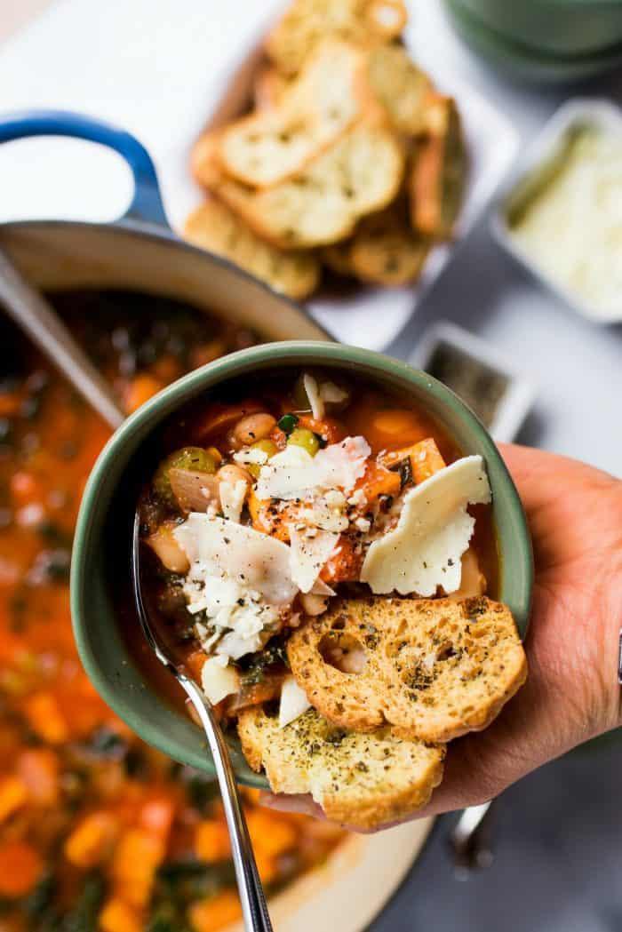 BEST Easy White Bean Soup