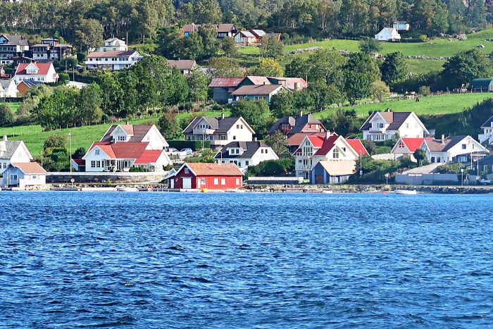 Homelands Viking Cruise Excursions Norway - houses