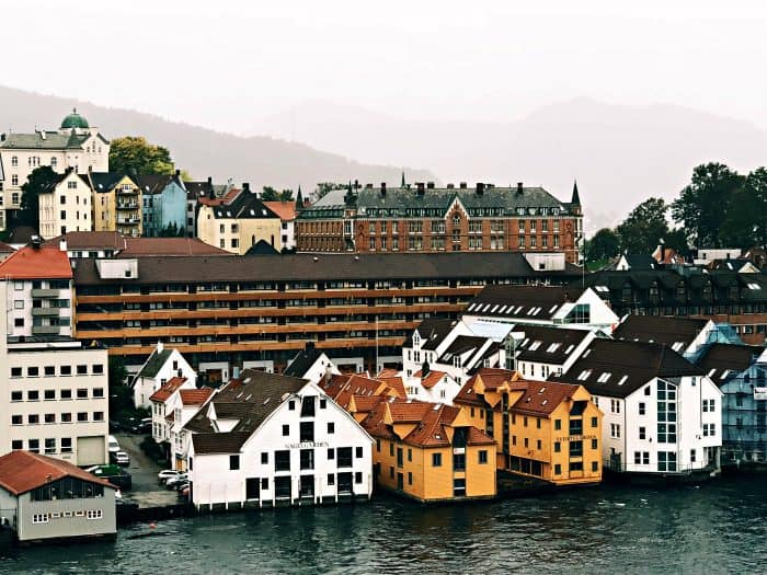Homelands Viking Cruise Excursions Norway - colors