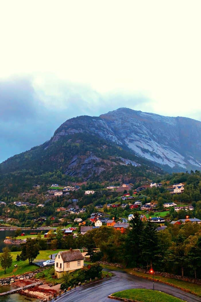 Homelands Viking Cruise Excursions Norway - rain