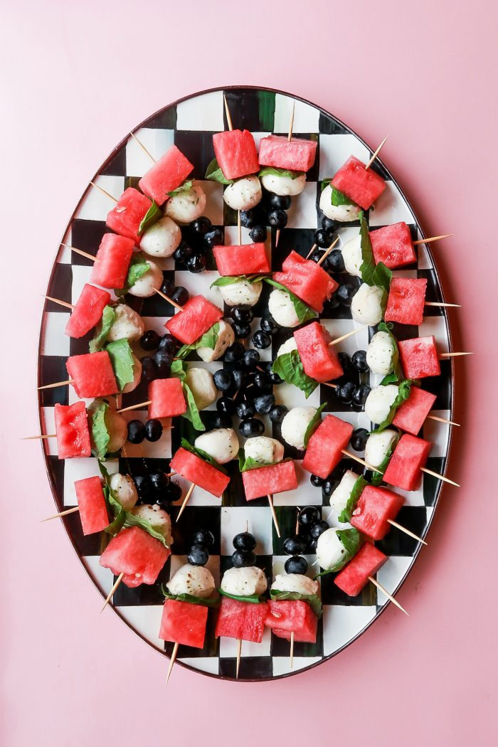 Watermelon Skewers #watermeloncaprese #watermelonskewers #watermelonbites