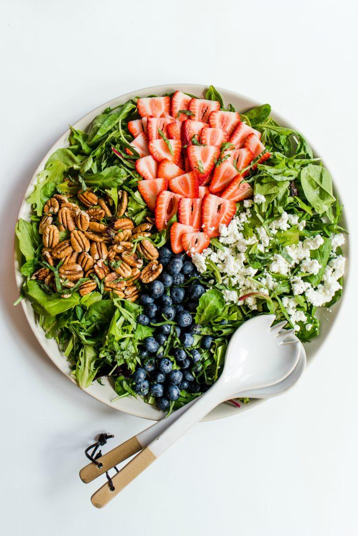 Pecan Berry Green Salad Recipe #americanpecans #pecanberrysalad #salad