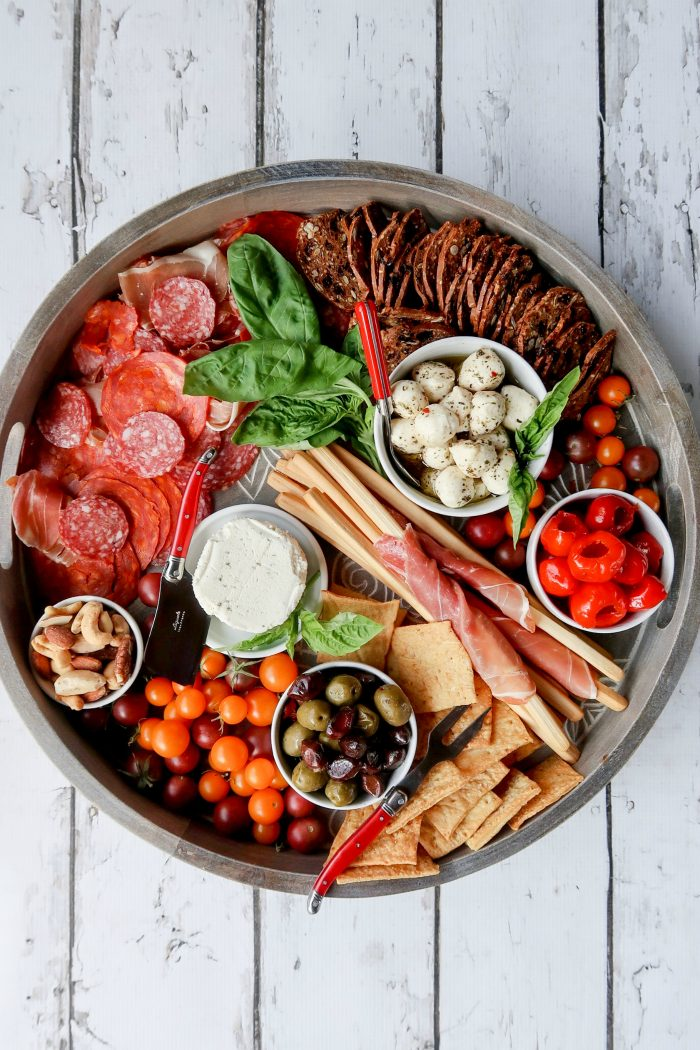 DELISH - How to make a Charcuterie Board
