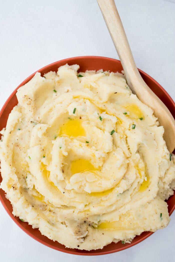 EASY Basic Mashed Potatoes Recipe