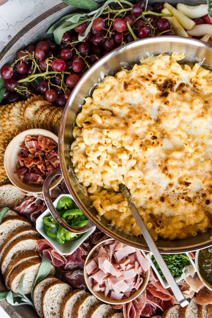 THE BEST Macaroni and Cheese Dinner Board
