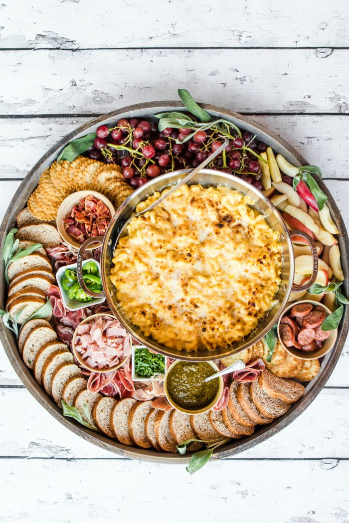 HOW TO SERVE A Macaroni and Cheese Dinner Board