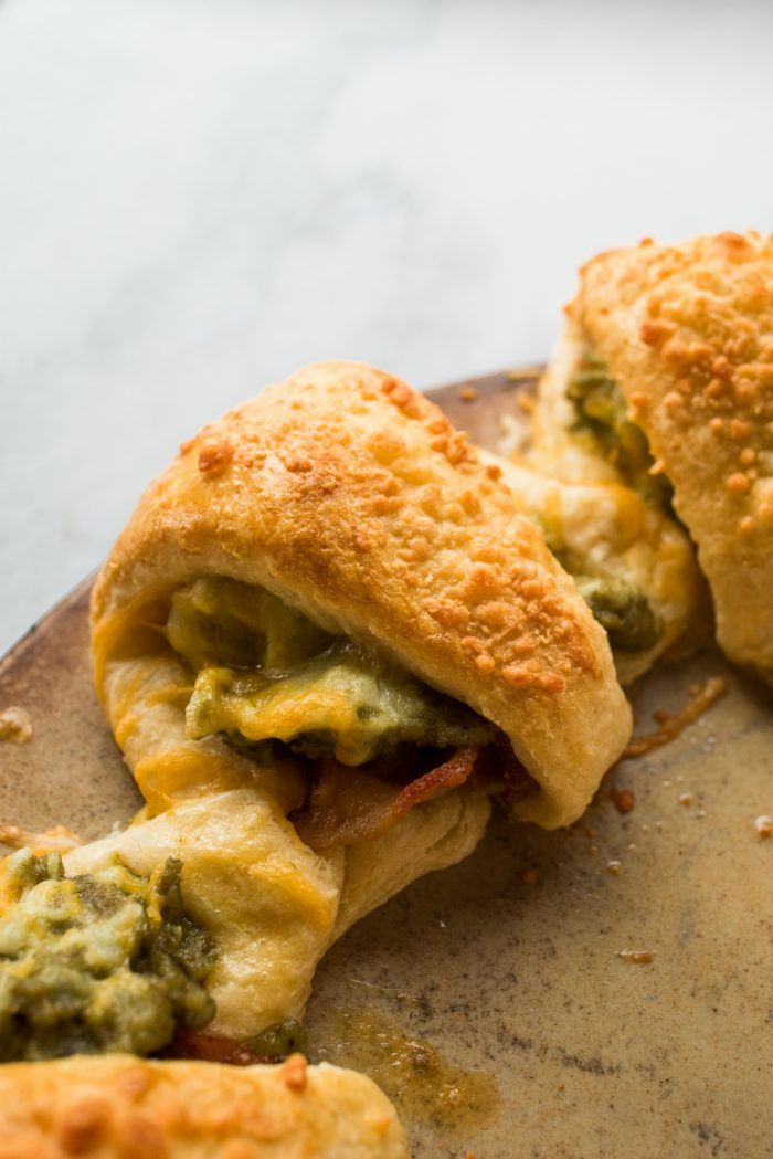 THE BEST Pesto Crescent Breakfast Ring