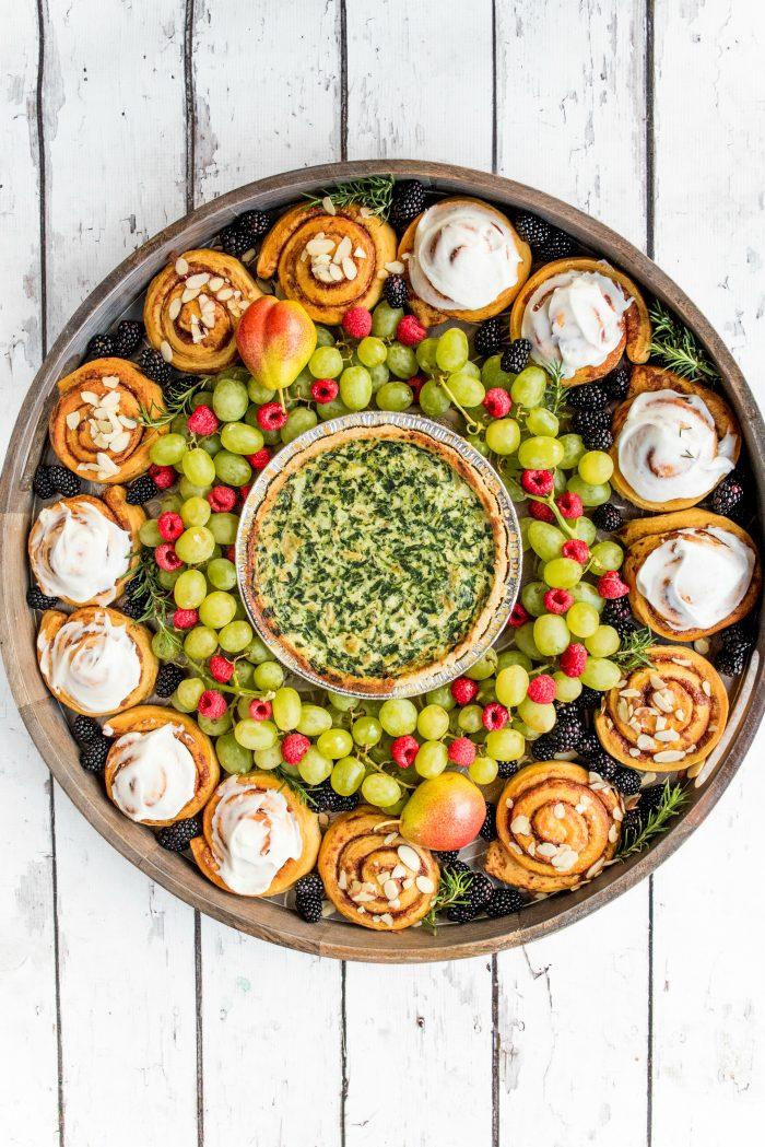 BEST Holiday Quiche Wreath Breakfast Board