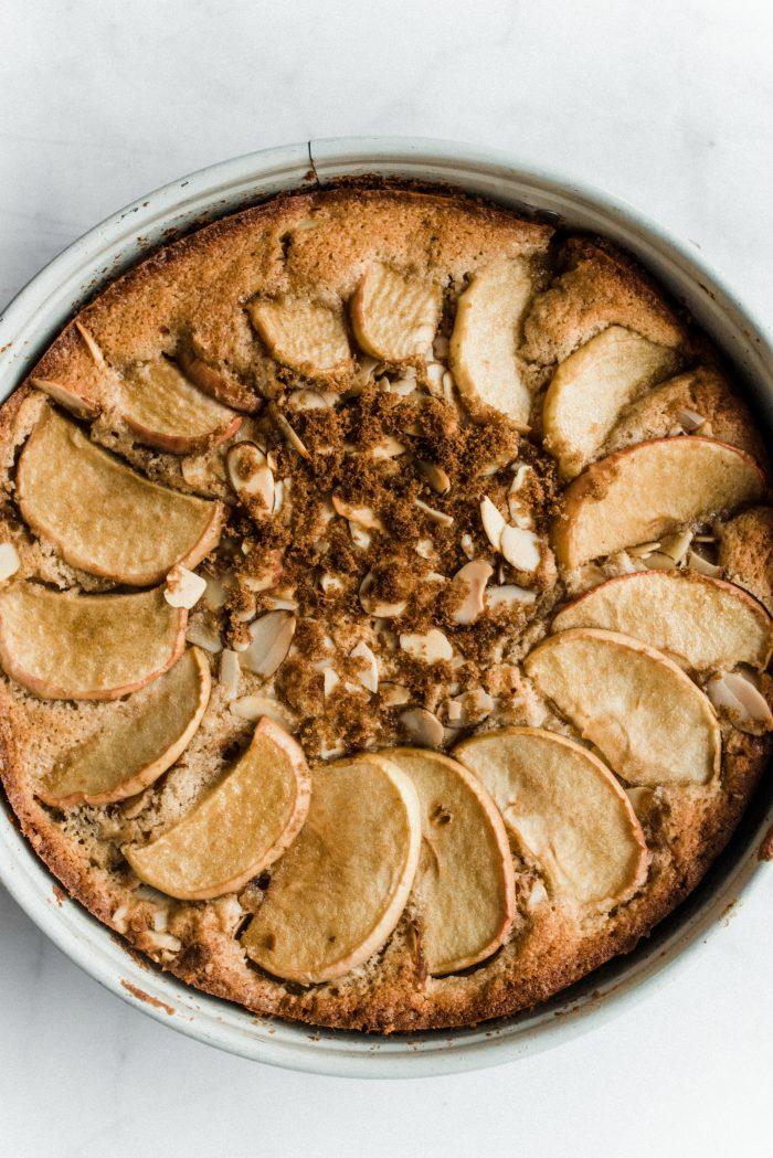 BEST Spelt Cinnamon Apple Cake