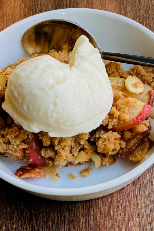 Apple Pear Crumble Without Oats with scoop of vanillal gelato