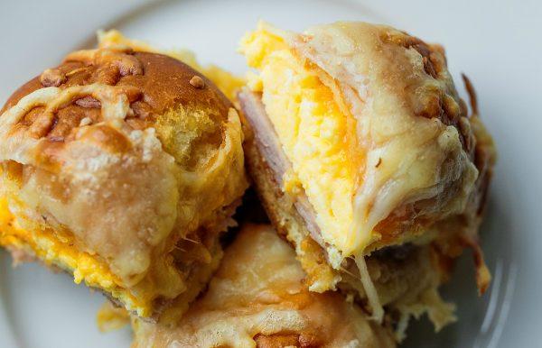 3 cheesy breakfast egg sliders