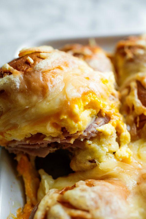 breakfast egg and ham slider