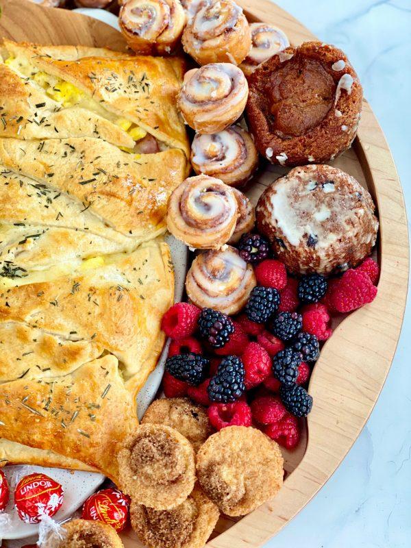 breakfast braid and cinnamon rolls