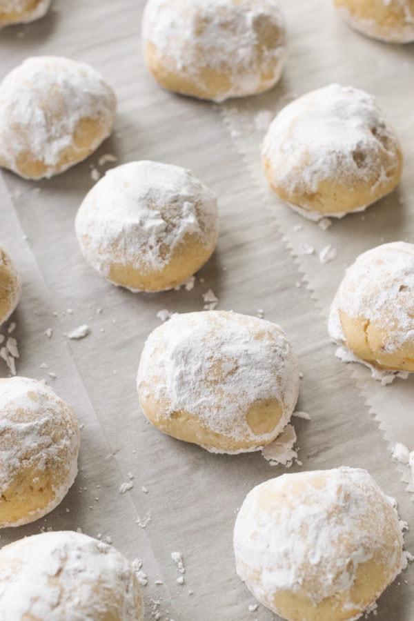 cookie sheet of Mexican Wedding Cookies