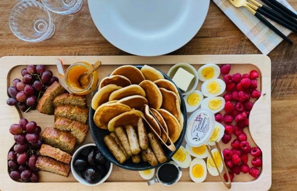 serving pancakes