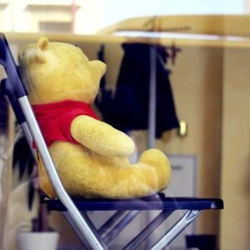 Hat die Haare schön: Ein Kunde des Salons. Vielleicht aber auch nur ein nettofarbener Drogen-Teddy.