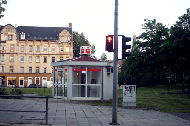 Hat 2011 den Architekturpreis für herausragende Hütten gewonnen: Die Sparkasse an der Zietenstraße.