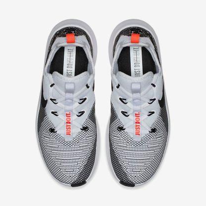 Nike Free TR 8 5