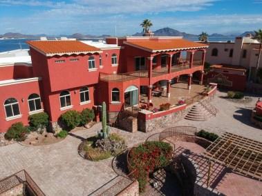 8 Mansiones