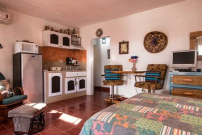 Casita - showing kitchen