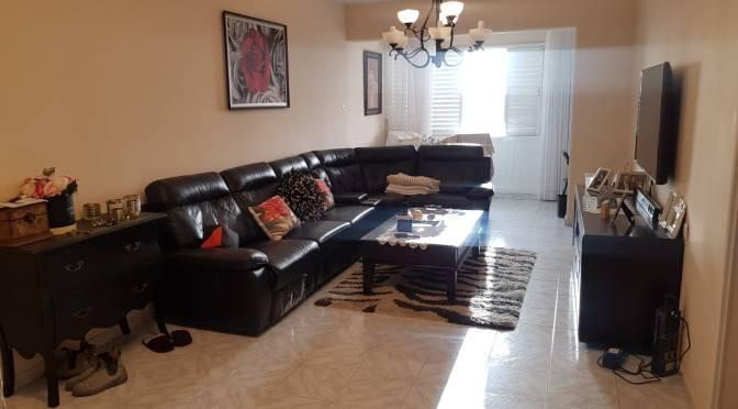 דירת 4 חדרים, עם מעלית ומרפסת בקורקידי, נווה עופר, תל אביב.