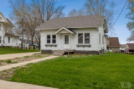 516 Pershing, Brooklyn, Iowa 52211, 2 Bedrooms Bedrooms, ,1 BathroomBathrooms,Residential,For Sale,Pershing,35016630
