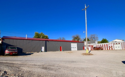 219 2nd, Brooklyn, Iowa 52211, ,Commercial,For Sale,2nd,35017151