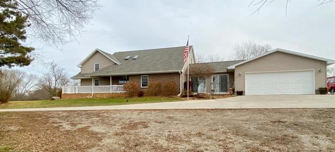 702 Westwood, Marshalltown, Iowa 50158, 4 Bedrooms Bedrooms, ,3 BathroomsBathrooms,Residential,For Sale,Westwood,35017818