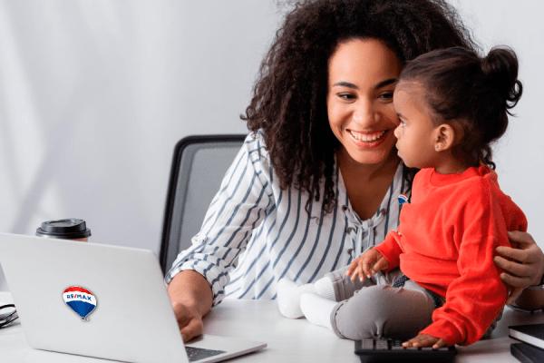 Mães empreendedoras no mercado imobiliário