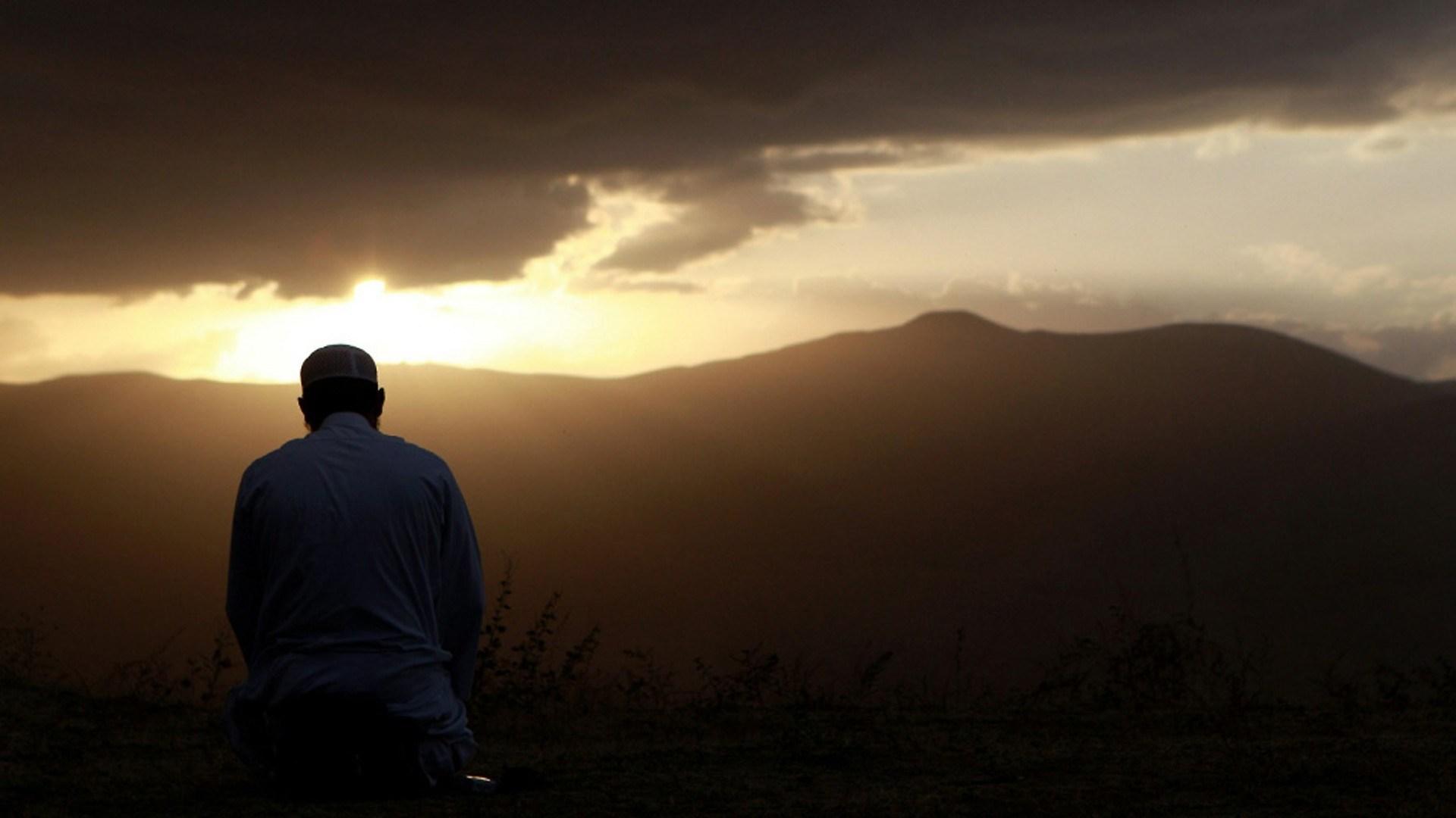 Berdoa-saat-senja