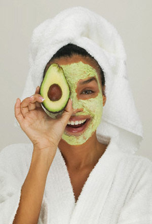9 Best DIY Homemade Face Mask for Dry Skin